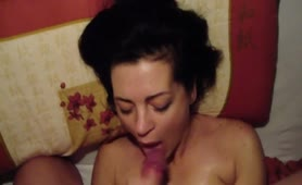 Milf sucking and recovering a facial on her